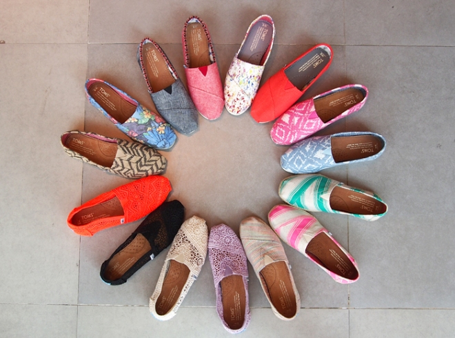 TOMS shoes, socially conscious, one for one, Faceted Media